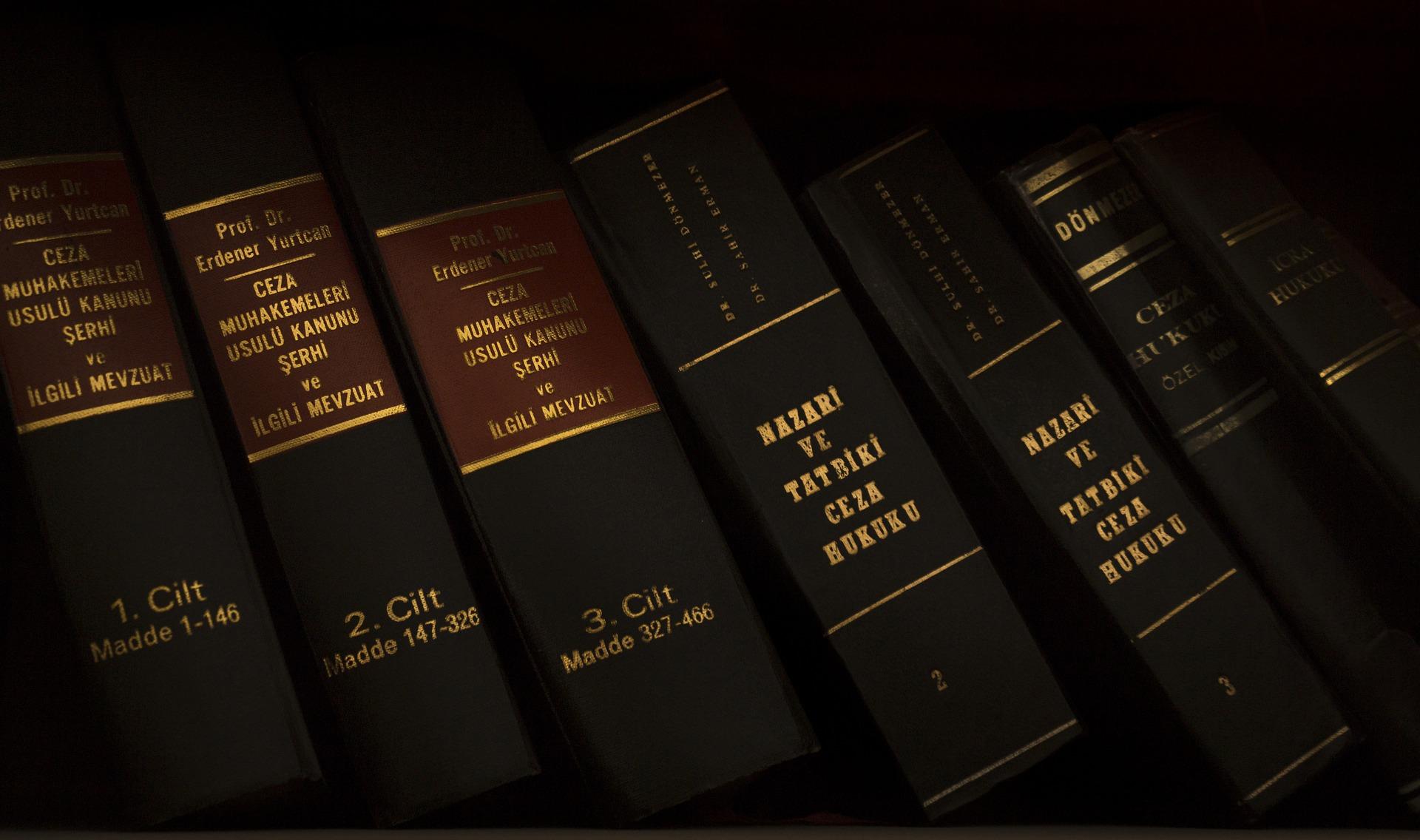 パワハラ対策に法制化と指針策定の案~労政審分科会